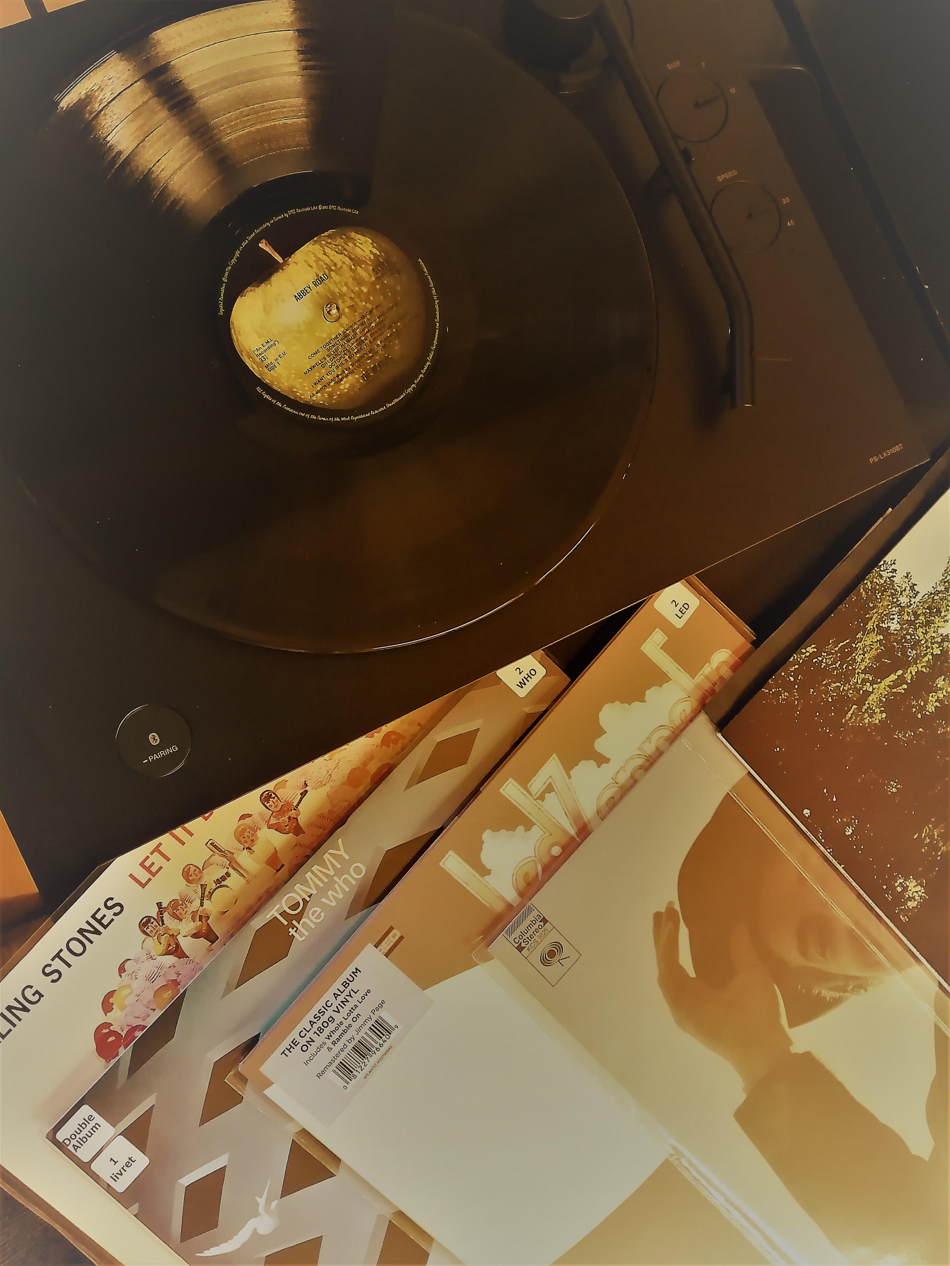 Rencontre autour d'une platine vinyle